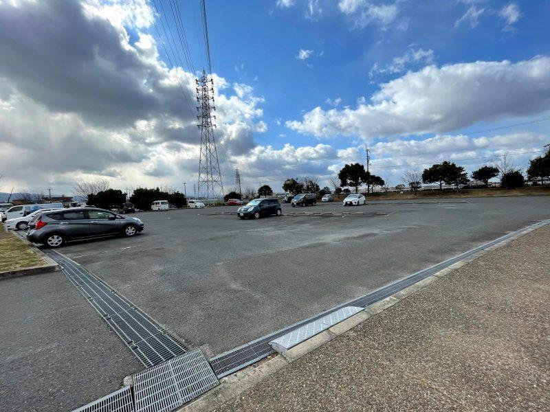 石川河川公園駐車場